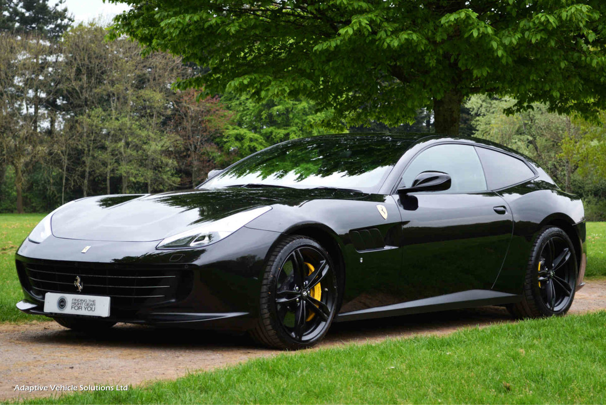 2018 Ferrari GTC4Lusso V12 - Pan Glass Sunroof - Pass Display For Sale (picture 1 of 6)
