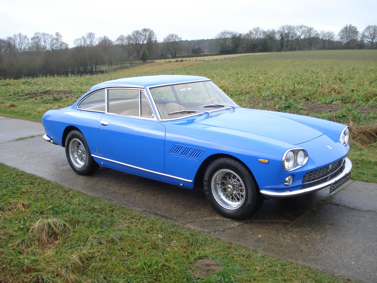 1965 a smart coupé in exceptional colourway For Sale (picture 1 of 6)