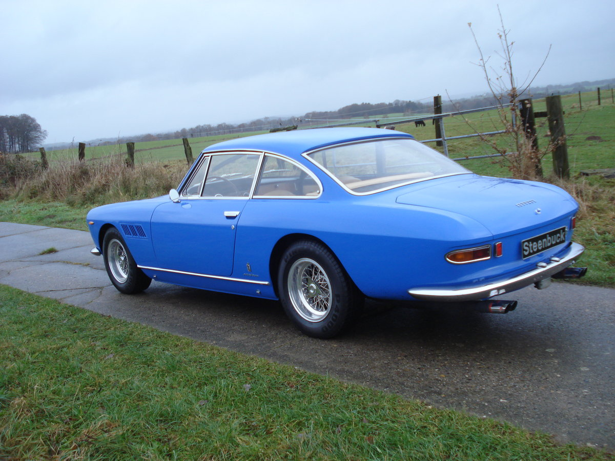 1965 a smart coupé in exceptional colourway For Sale (picture 2 of 6)
