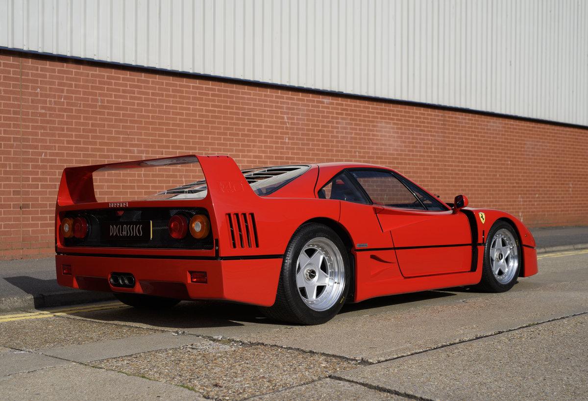 1990 Ferrari F40 Catalyst/Non-Adjust For Sale In London  For Sale (picture 3 of 24)