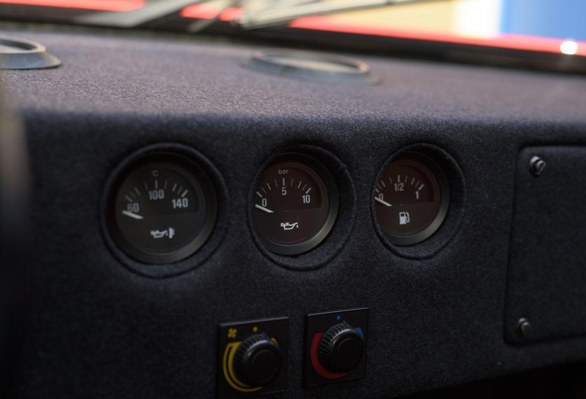 1990 Ferrari F40 Catalyst/Non-Adjust For Sale In London  For Sale (picture 17 of 24)