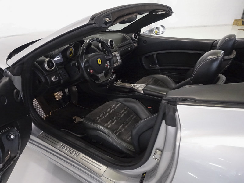 2012 Ferrari California Convertible For Sale (picture 3 of 6)