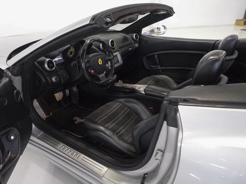 2012 Ferrari California Convertible SOLD (picture 3 of 6)
