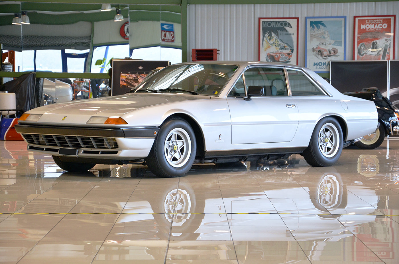 1979 - Ferrari 400 GT Auto - LHD - Silver -Black Leather For Sale (picture 1 of 6)