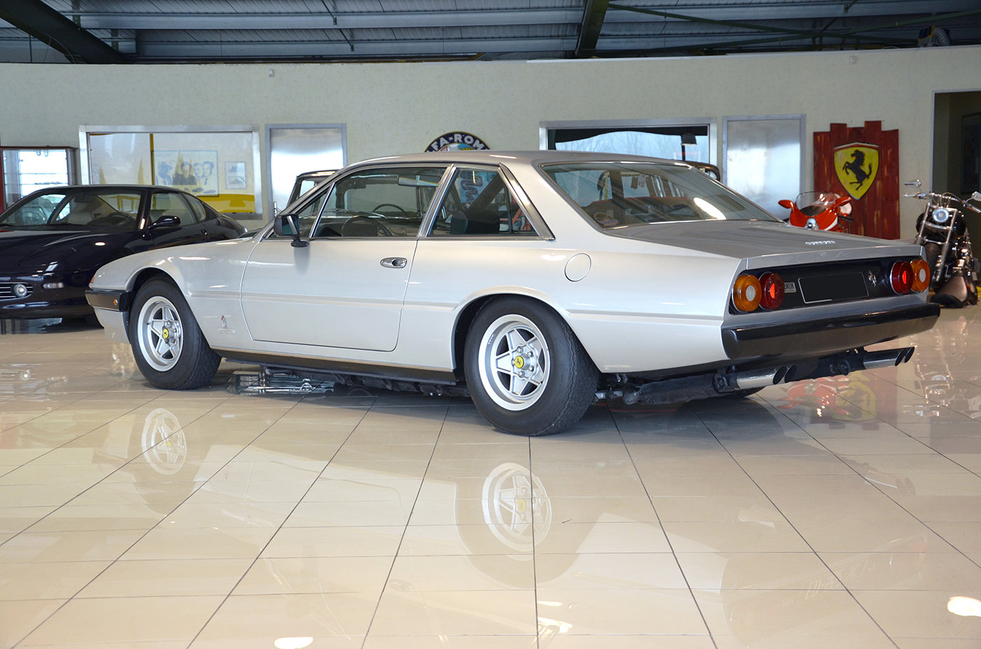 1979 - Ferrari 400 GT Auto - LHD - Silver -Black Leather For Sale (picture 3 of 6)