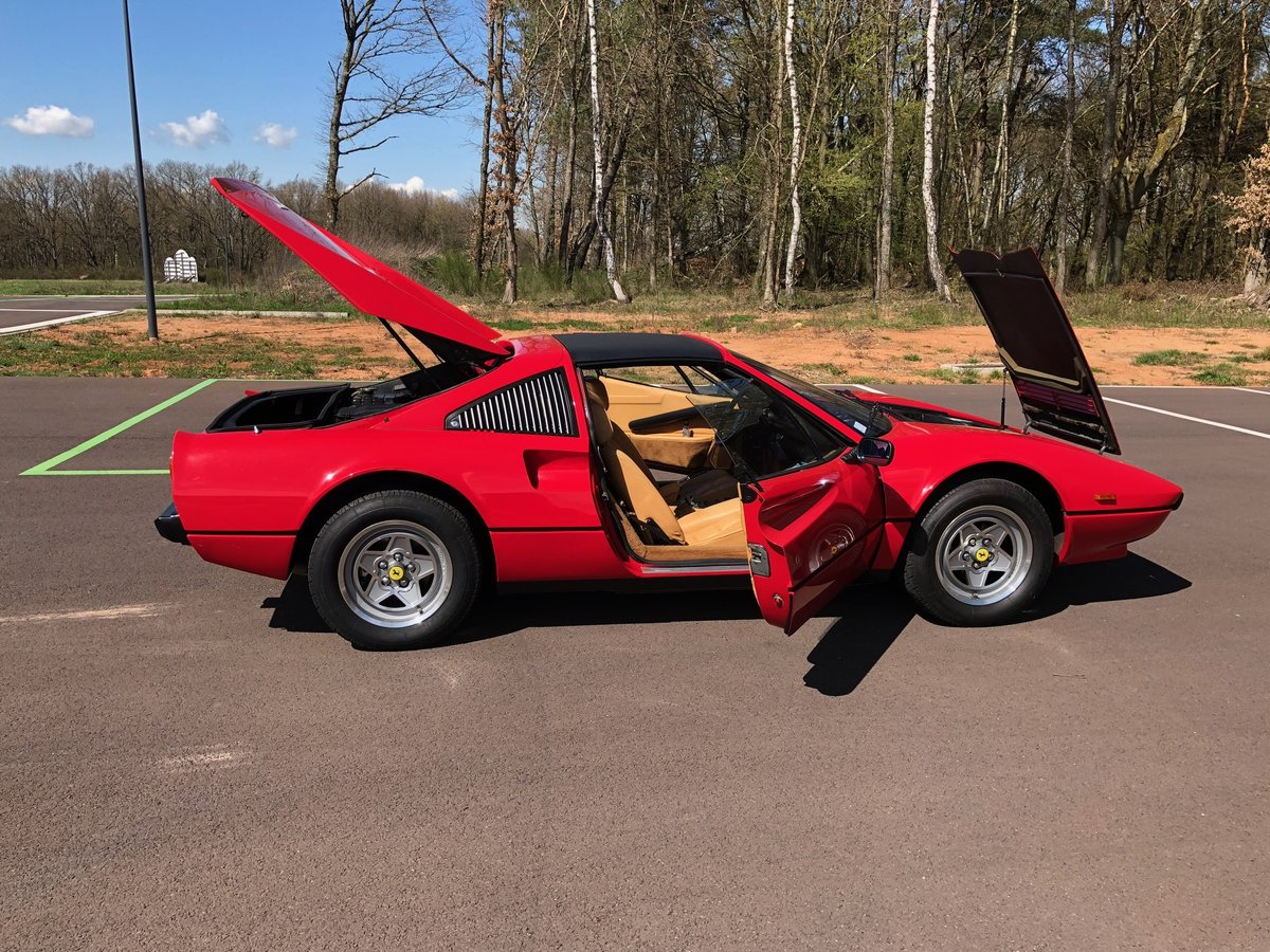 1988 Ferrari 308 quattrovalvole For Sale (picture 1 of 2)
