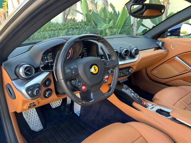 2016 Ferrari F12 Berlinetta Rare Pozzi Blue only 3.7k miles  For Sale (picture 4 of 6)
