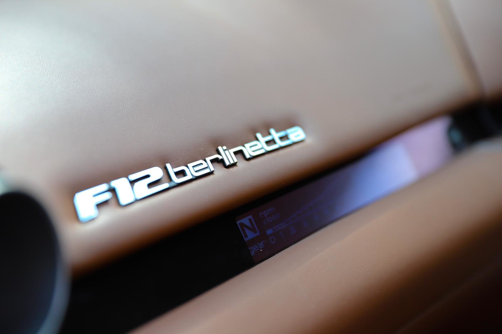 2013 STRIKING F12 JUST 2 OWNERS FERRARI 7 YEAR FULL SERVICE PLAN For Sale (picture 5 of 6)