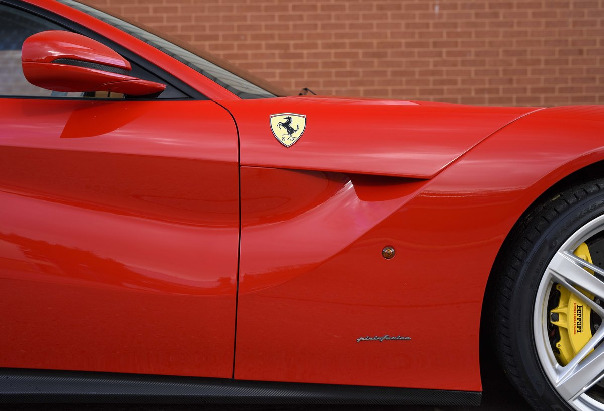 2014 Ferrari F12 Berlinetta For Sale In London  ( RHD  For Sale (picture 12 of 24)
