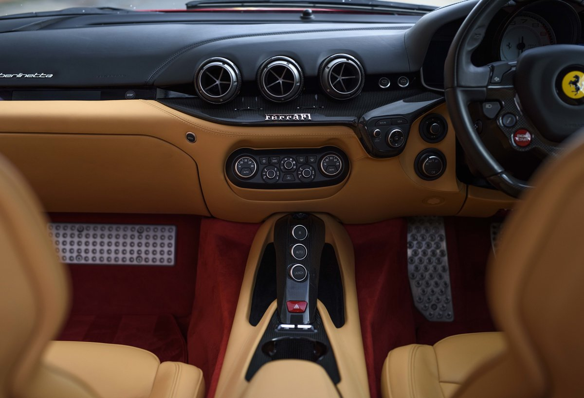 2014 Ferrari F12 Berlinetta For Sale In London  ( RHD  For Sale (picture 16 of 24)
