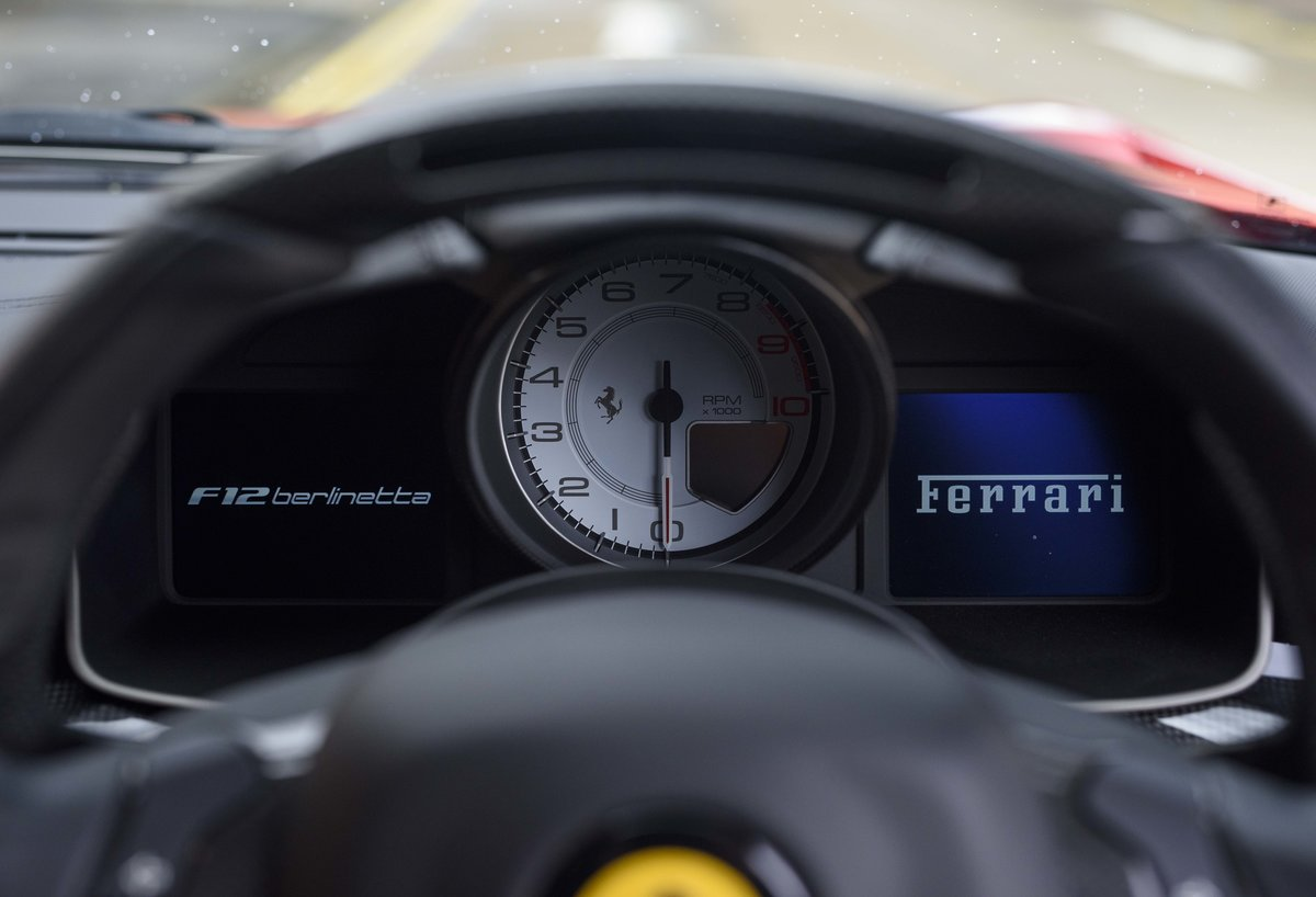2014 Ferrari F12 Berlinetta For Sale In London  ( RHD  For Sale (picture 20 of 24)