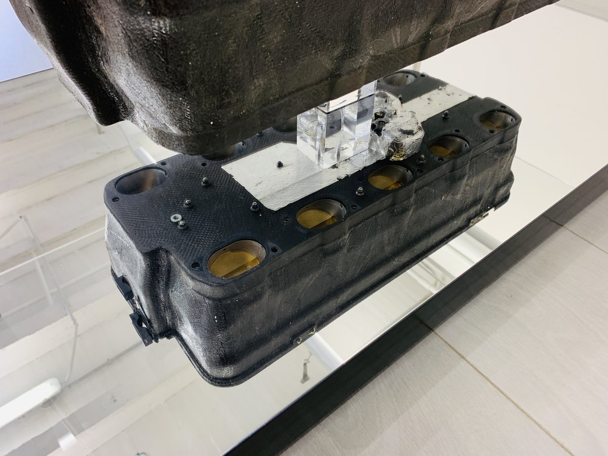 1997 Ferrari F1 coffe table with airbox F310B For Sale (picture 6 of 6)