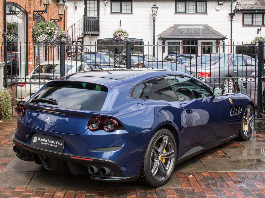 2018 Ferrari  Other  GTC4Lusso - V12 For Sale (picture 7 of 18)