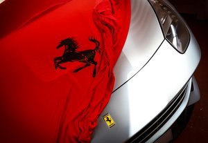 2013 STRIKING F12 JUST 2 OWNERS FERRARI 7 YEAR FULL SERVICE PLAN For Sale