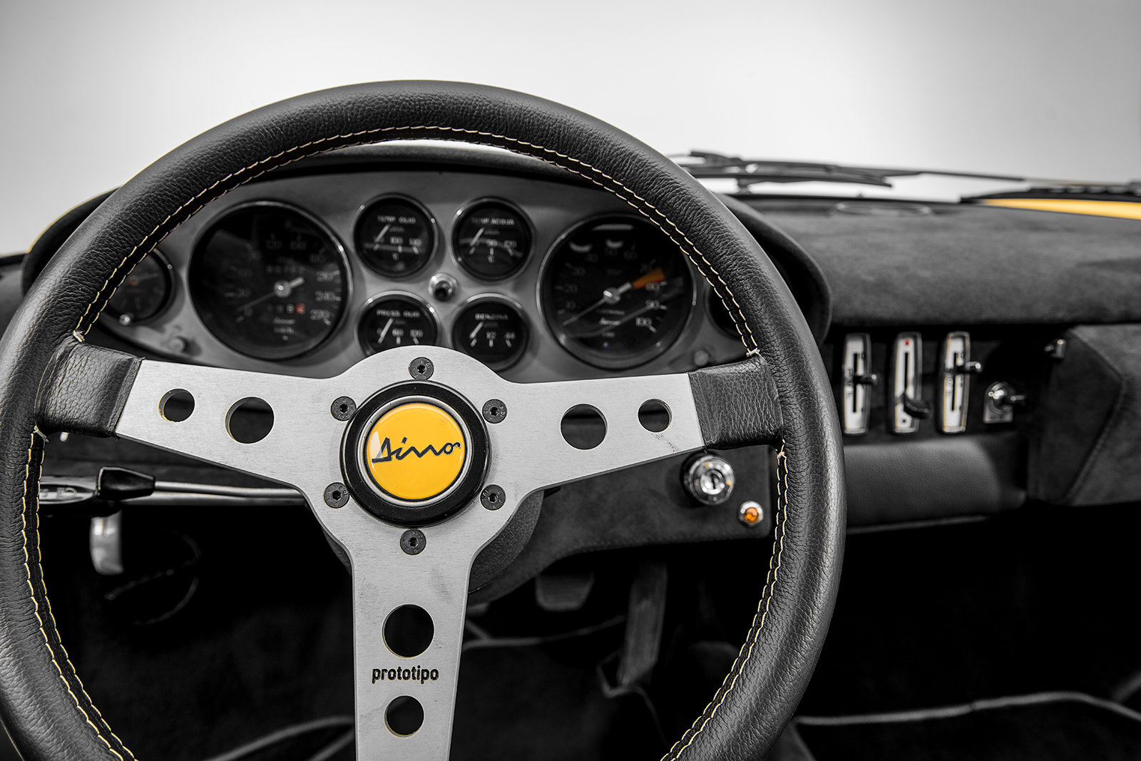 Ferrari Dino 246 GT (1971)  For Sale (picture 6 of 6)