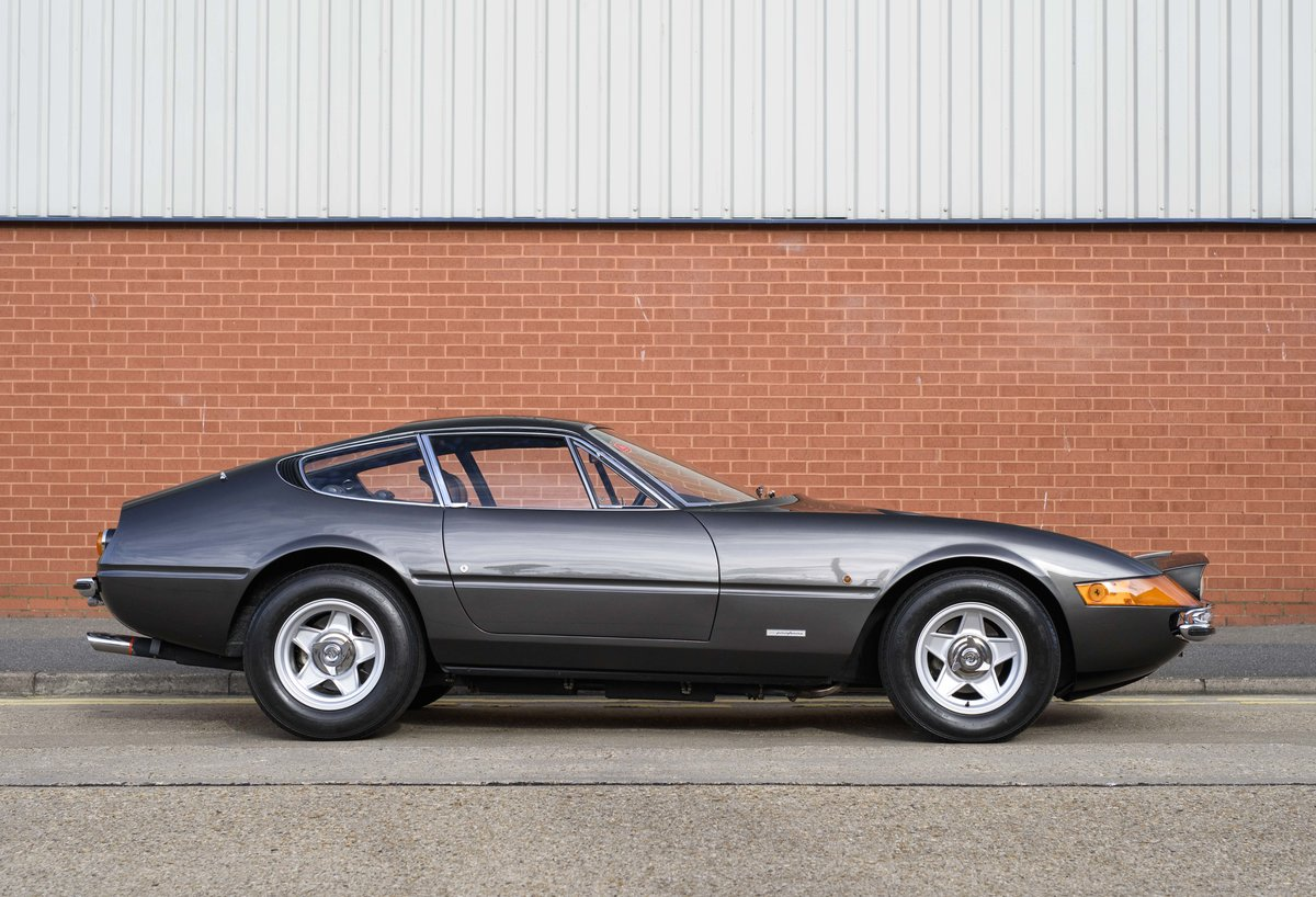1971 Ferrari 365 GTB/4 Daytona for sale in London (RHD) For Sale (picture 5 of 24)