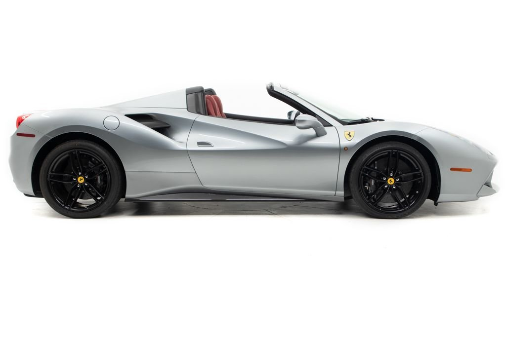 2019 Ferrari 488 Spider Convertible only 110 miles Silver For Sale (picture 2 of 6)