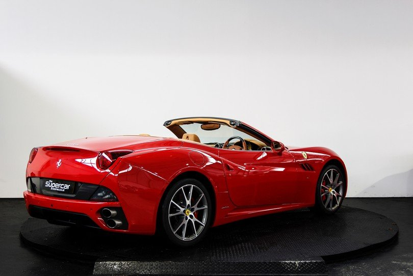 Ferrari California - 2009 - 16K Miles - Daytona Seats -  For Sale (picture 3 of 6)