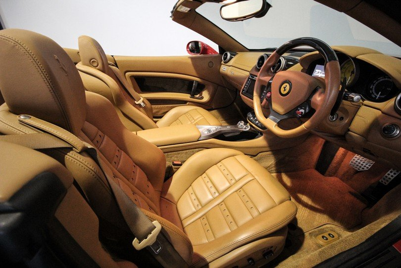 Ferrari California - 2009 - 16K Miles - Daytona Seats -  For Sale (picture 6 of 6)