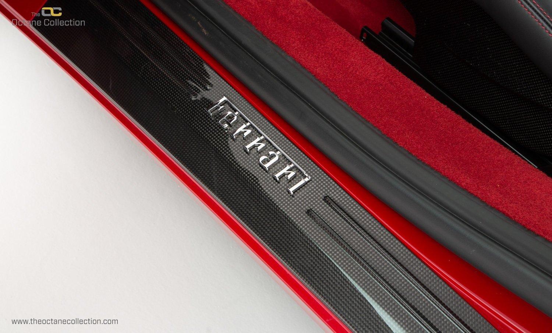 2014 FERRARI 458 ITALIA DCT //  8K MILES // MUGELLO RED // FFSH  For Sale (picture 18 of 23)