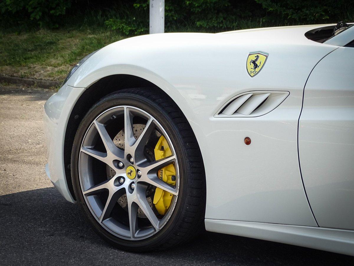 2009 Ferrari  CALIFORNIA  4.3 2 PLUS 2 CABRIOLET AUTO  74,948 For Sale (picture 6 of 24)