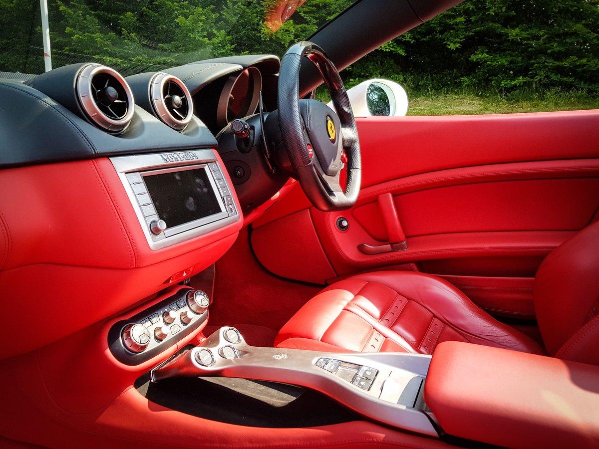 2009 Ferrari  CALIFORNIA  4.3 2 PLUS 2 CABRIOLET AUTO  74,948 For Sale (picture 16 of 24)