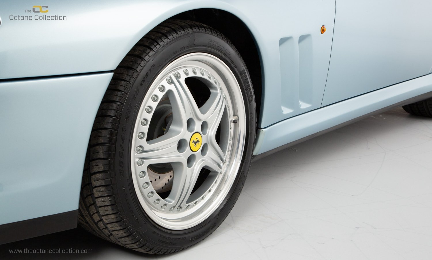 2001 FERRARI 550 BARCHETTA // ONLY 557 MILES // 1 OF 448  For Sale (picture 23 of 24)
