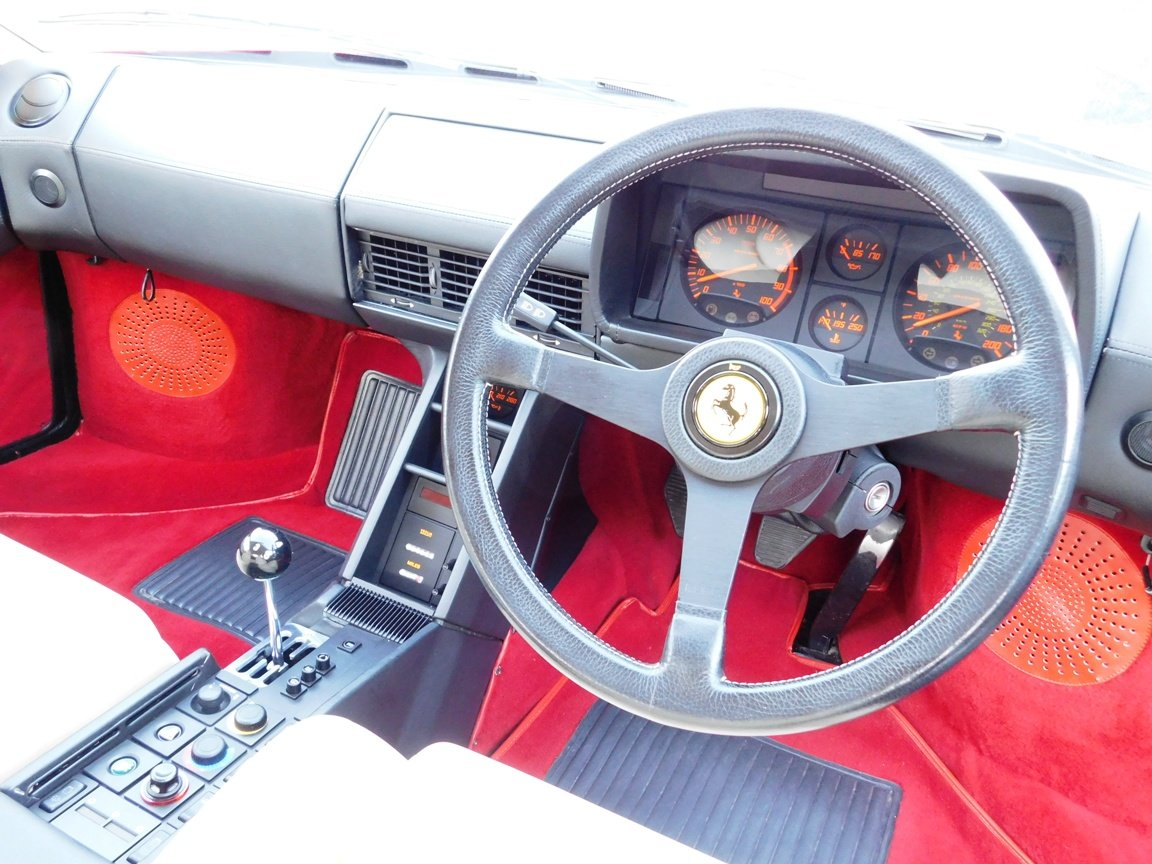 1991 Ferrari Testarossa (RHD) ONLY 3619 Miles From New For Sale (picture 10 of 20)