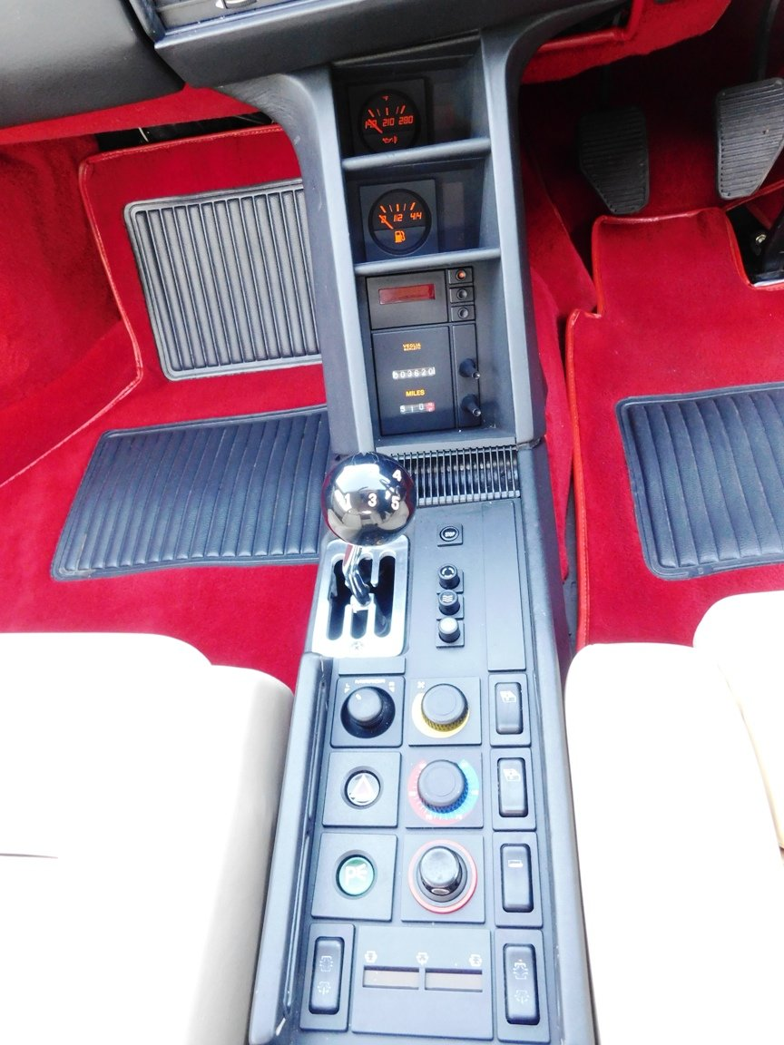 1991 Ferrari Testarossa (RHD) ONLY 3619 Miles From New For Sale (picture 13 of 20)