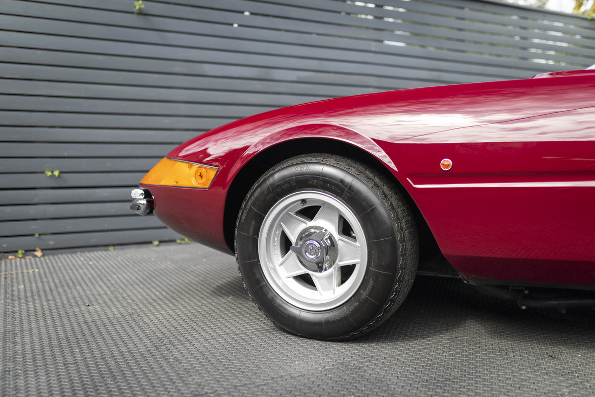 1971 FERRARI DAYTONA PLEXI GLASS UK FERRARI CLASSICHE CERTIFIED For Sale (picture 9 of 24)