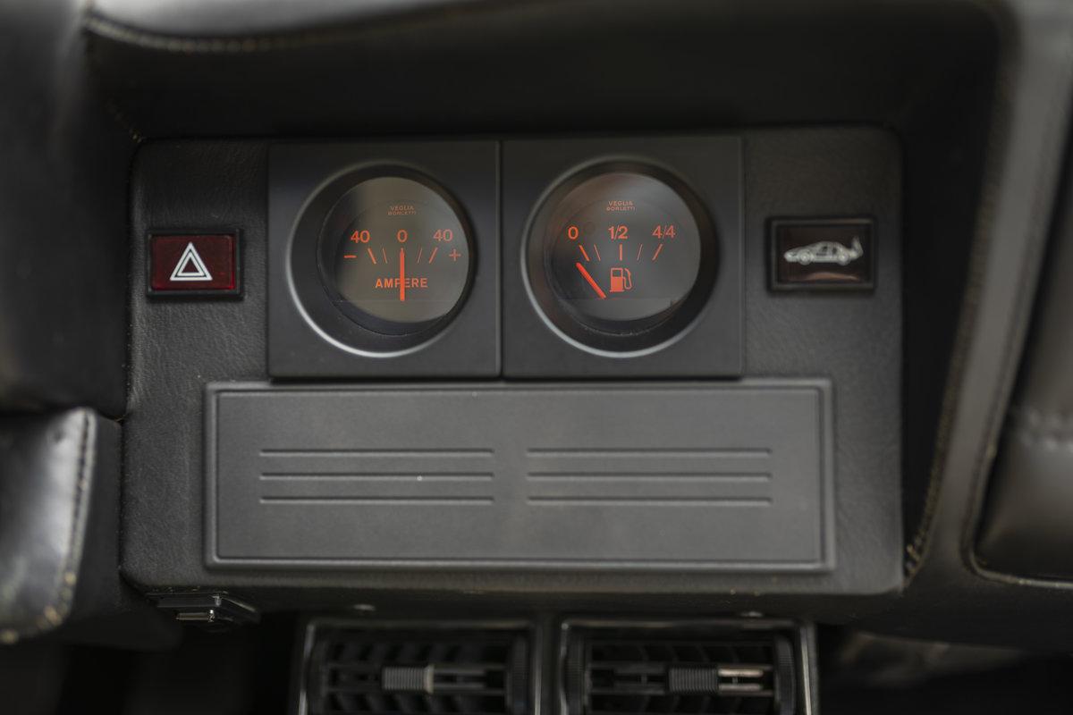 1982 Ferrari 512BBi LHD SOLD (picture 19 of 24)