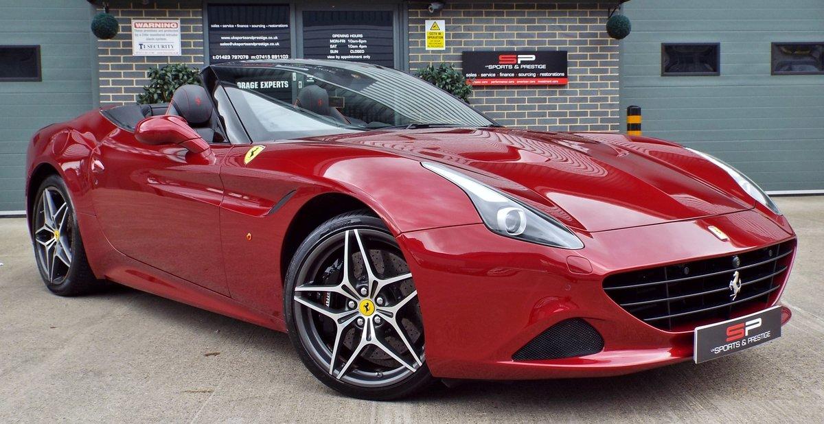 2015 Ferrari California 3.9 V8 T Rosso California Metallic ...