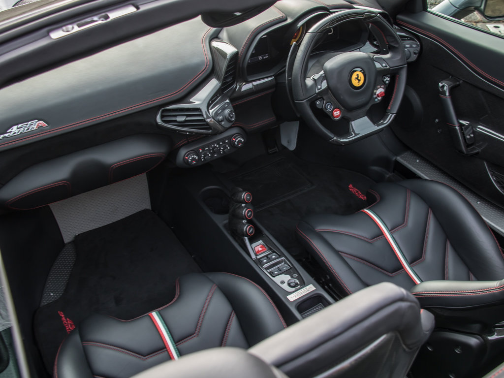 2015 Ferrari    458 Speciale Aperta  For Sale (picture 16 of 17)