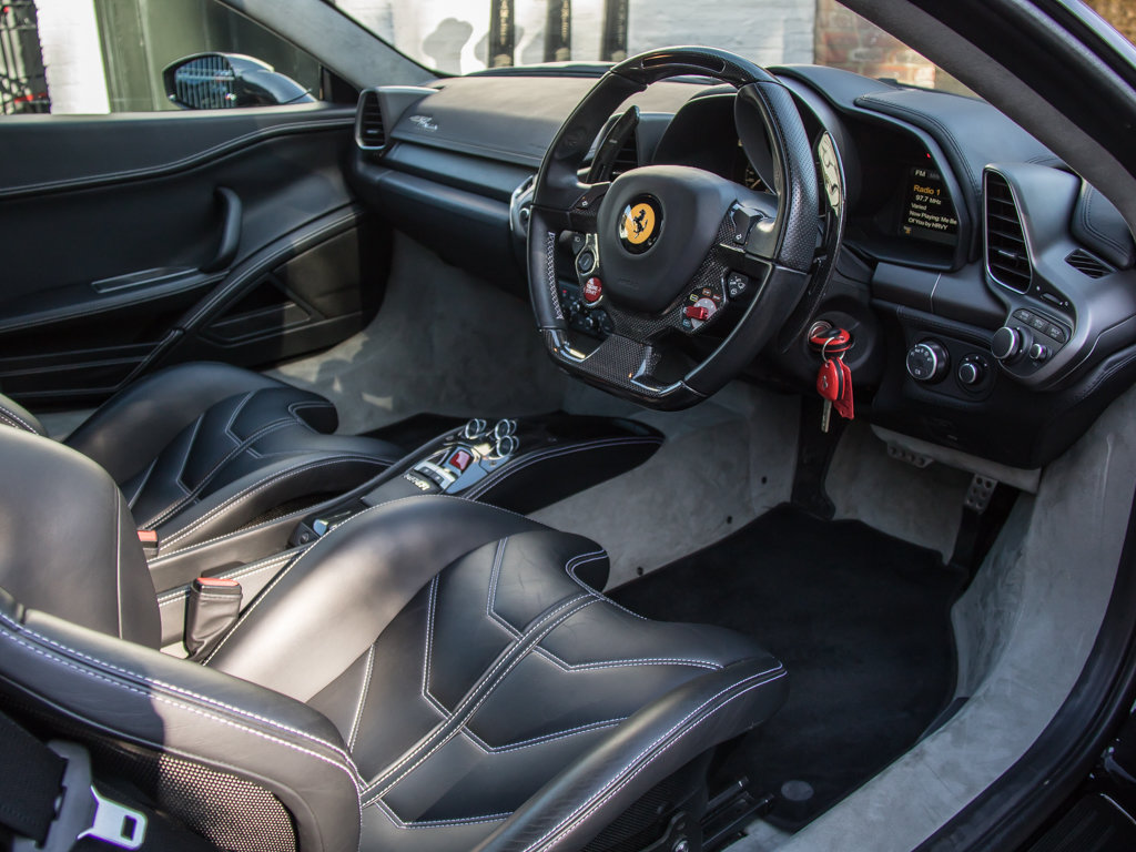 2012 Ferrari    458 Italia For Sale (picture 12 of 18)
