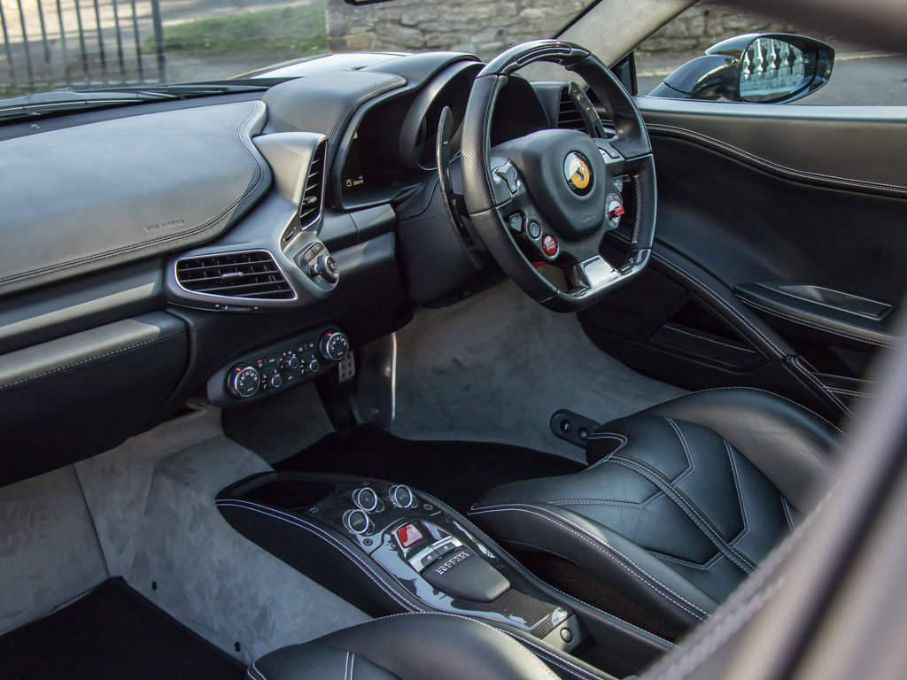2012 Ferrari    458 Italia For Sale (picture 17 of 18)