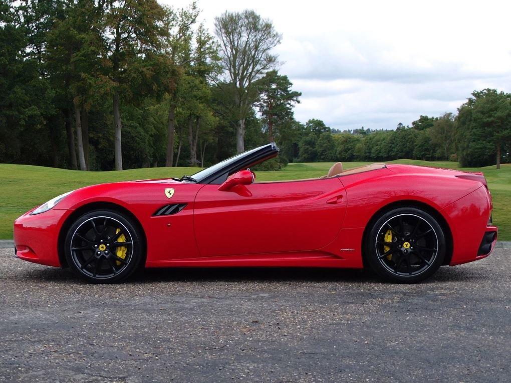2010 Ferrari  CALIFORNIA  4.3 Cabriolet Auto  74,948 For Sale (picture 2 of 24)
