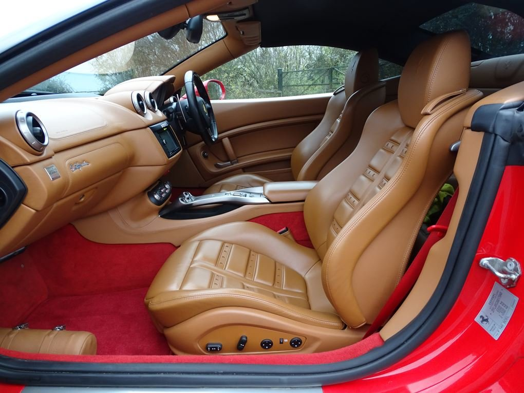 2010 Ferrari  CALIFORNIA  4.3 Cabriolet Auto  74,948 For Sale (picture 3 of 24)