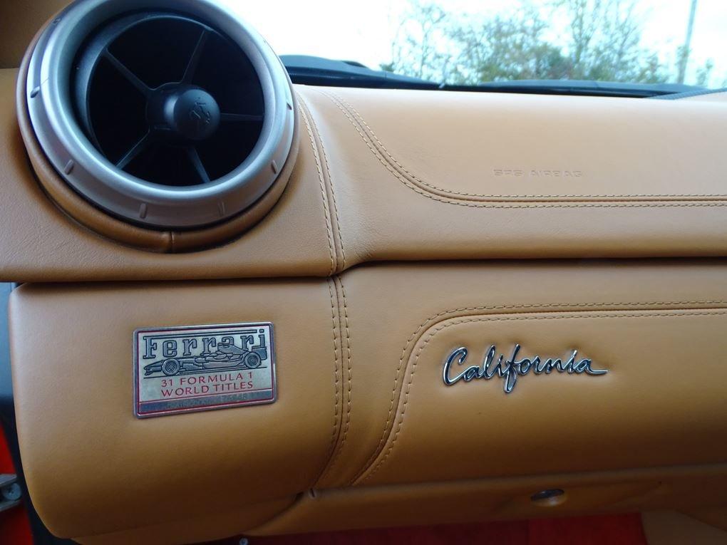 2010 Ferrari  CALIFORNIA  4.3 Cabriolet Auto  74,948 For Sale (picture 13 of 24)
