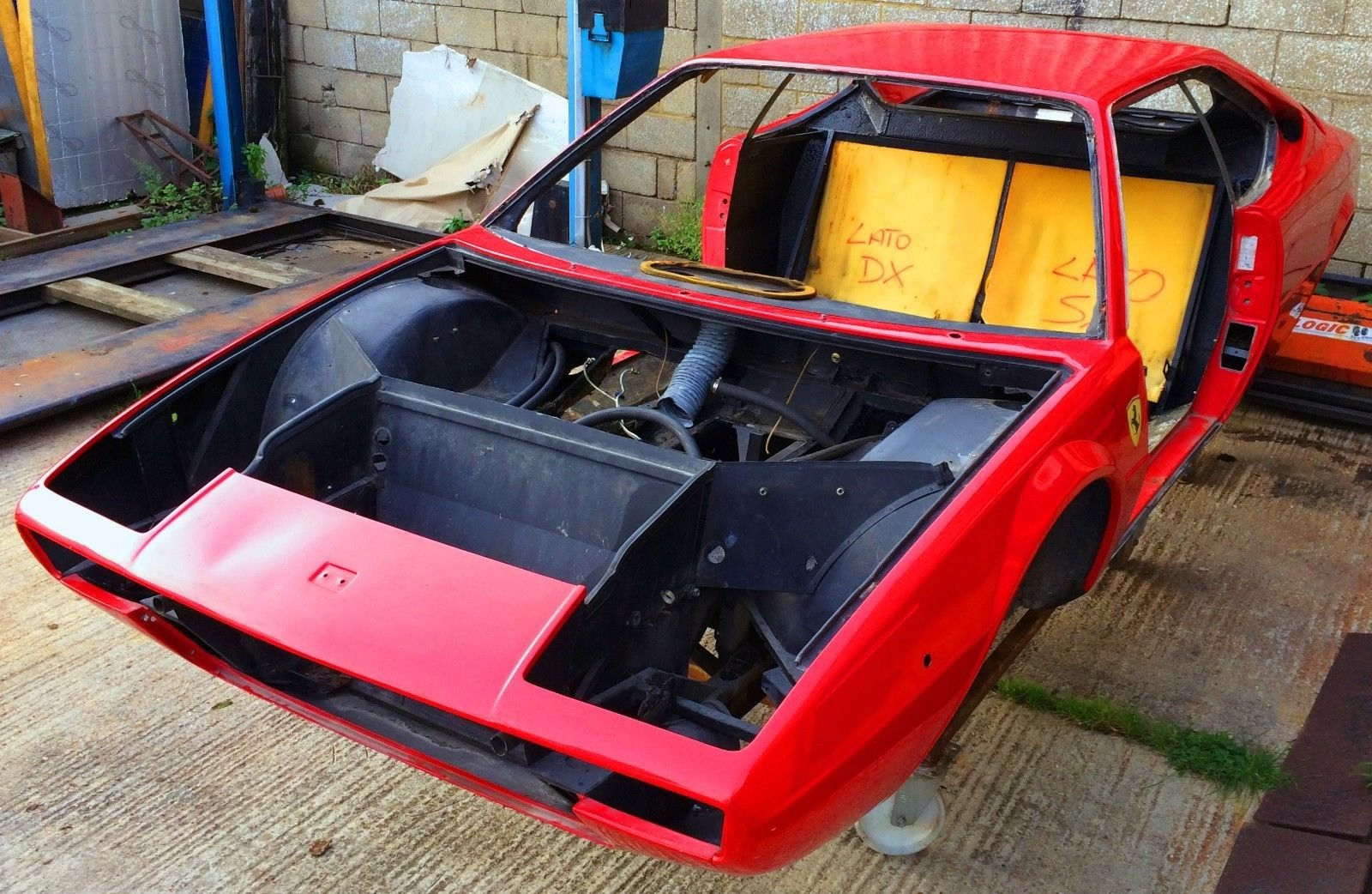 1975 Ferrari Dino 208 GT4 Body and Chassis LHD For Sale (picture 2 of 6)