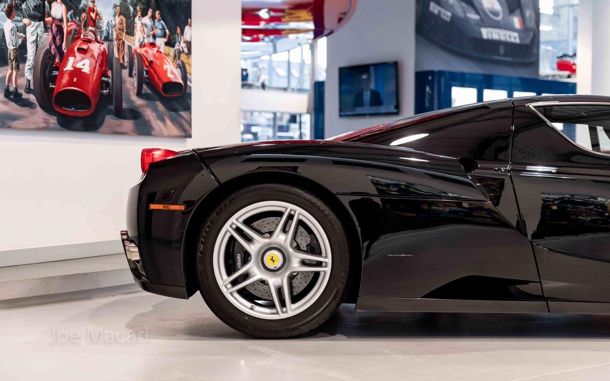 2004 Ferrari Enzo original Nero For Sale (picture 4 of 16)