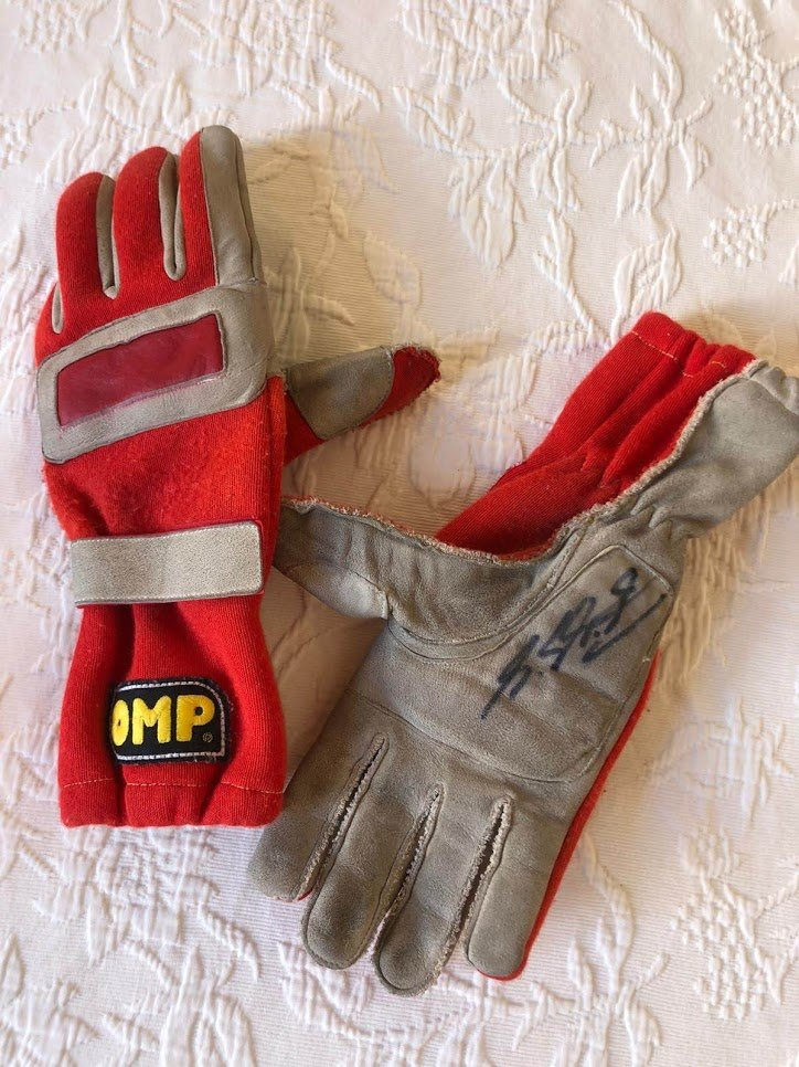 1996 Michael Schumacher British GP race used glove For Sale (picture 1 of 6)