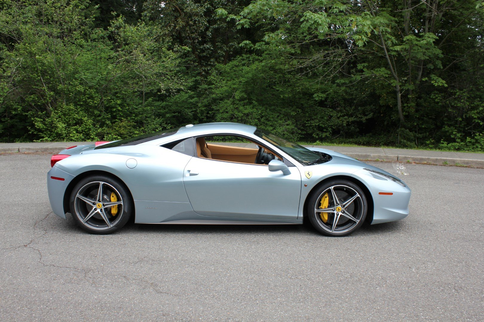 2011 Ferrari 458 Italia For Sale by Auction (picture 2 of 6)