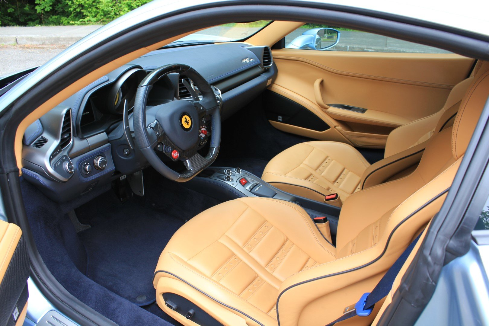 2011 Ferrari 458 Italia For Sale by Auction (picture 4 of 6)