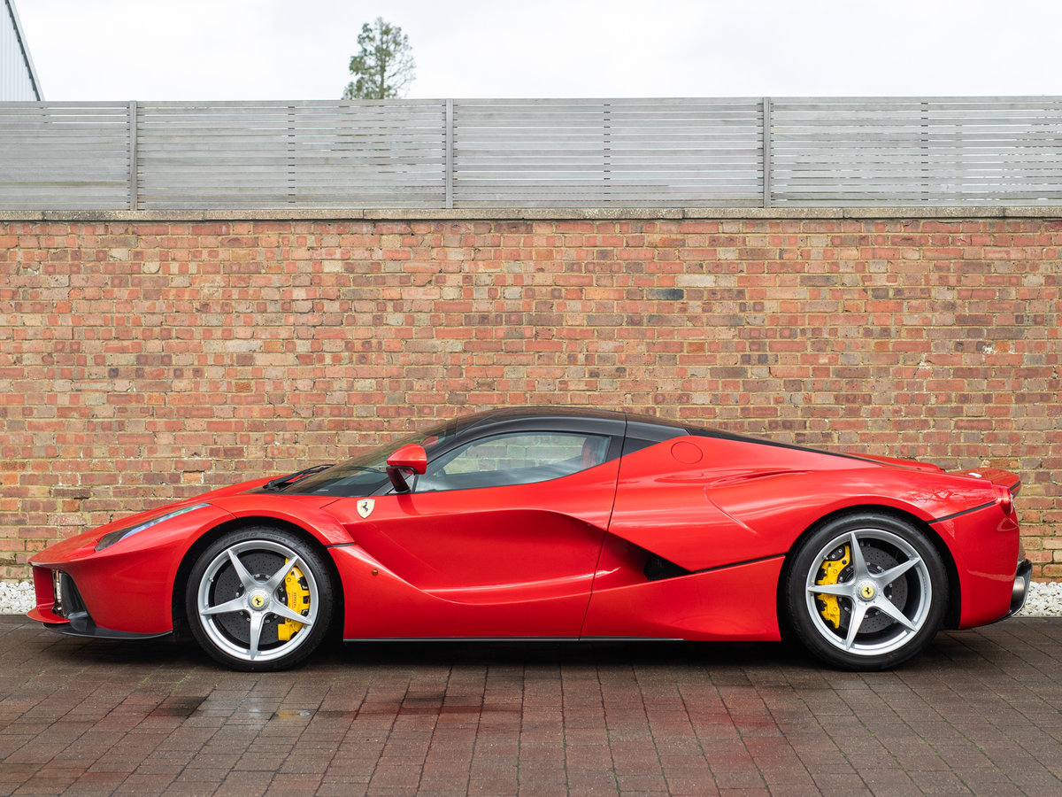 2016 Ferrari LaFerrari SOLD (picture 2 of 6)