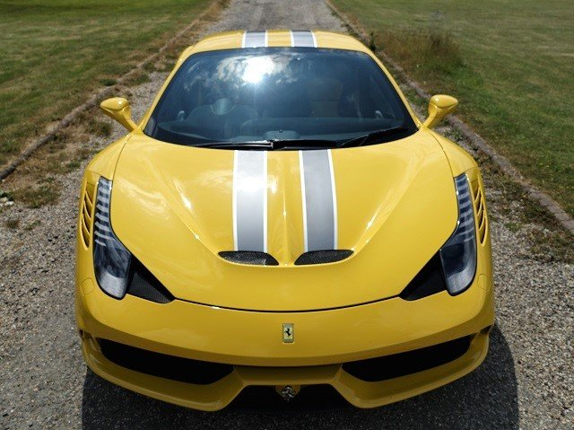 2014 Ferrari 458 Speciale - Yellow/Gry Stripes - 2,607 mls  For Sale (picture 2 of 6)