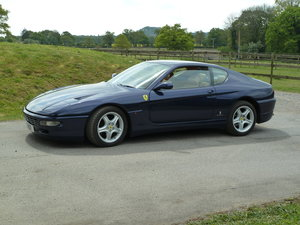 Picture of 1995 1992-2003 - FERRARI 456 GT or 456M - clients waiting