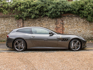 2017 Ferrari    GTC4LUSSO - V12 For Sale