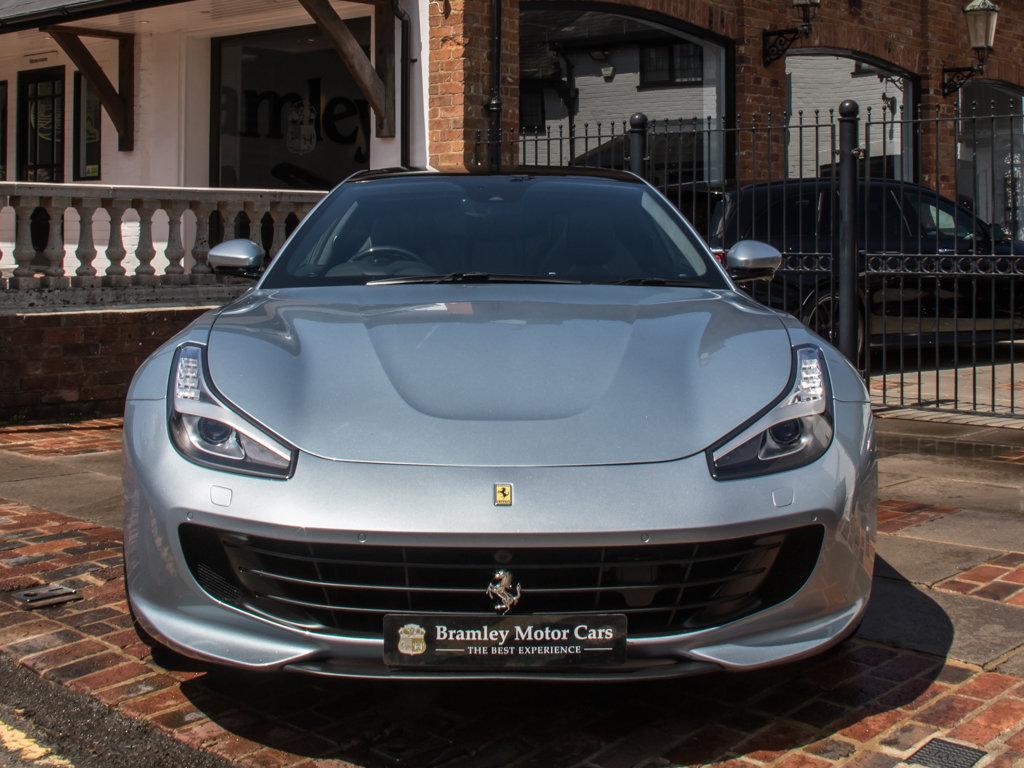 2019 Ferrari    GTC4LUSSO T For Sale (picture 3 of 6)