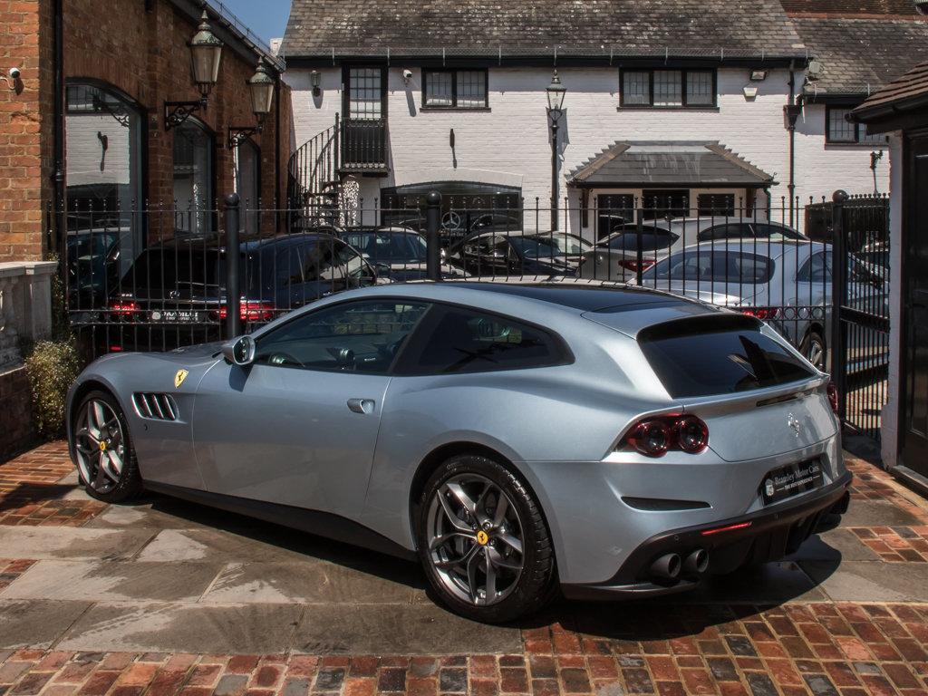 2019 Ferrari    GTC4LUSSO T For Sale (picture 5 of 6)