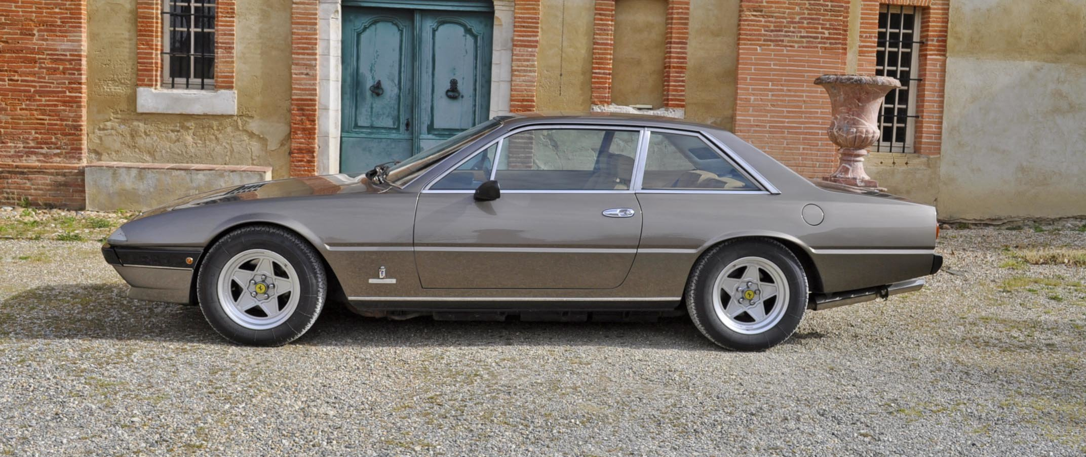 1983 FERRARI 400I  For Sale by Auction (picture 1 of 6)